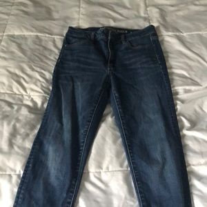 anerican eagle basic blue jeans